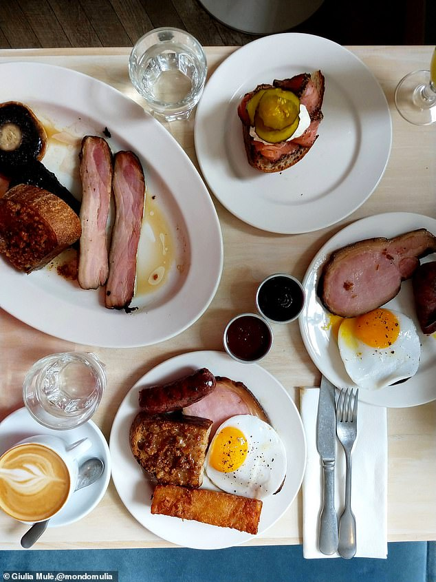 Giulia explained that there is too much going on in the above picture of an English breakfast, taking away from a potentially good snap